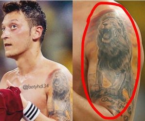 """Leeuwen Tatoo"" van Mesut Özil"